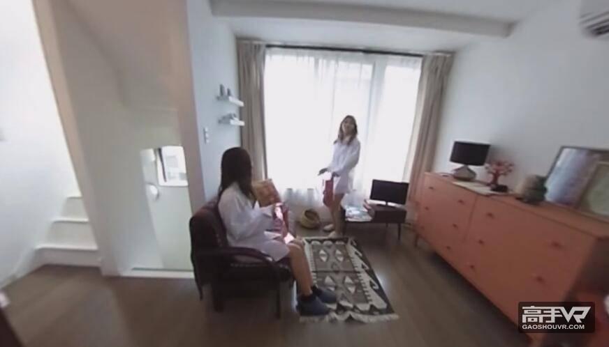 呆萌可爱:日本女孩的聚会全景视频